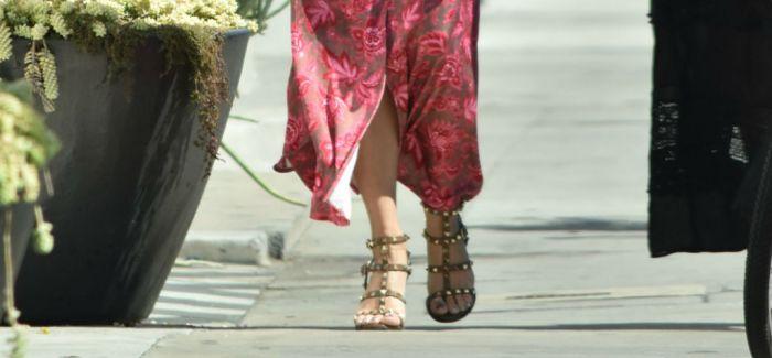 夏日凉鞋的款式那么多 到底哪一款最适合你?