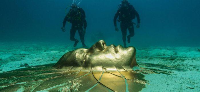Damien Hirst《难以置信残骸中的珍宝》深海展览!