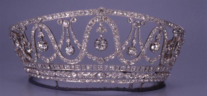德国博物馆珍贵钻石王冠失窃 价值1300万美元