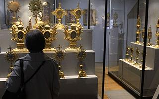 欧洲博物馆再遭劫!镶嵌千余颗宝石珍贵皇冠失窃