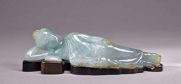一件被流落台湾地区的翡翠卧佛入藏上海博物馆