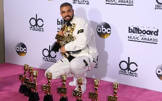 Drake成为是2017年公告牌音乐奖的最大赢家