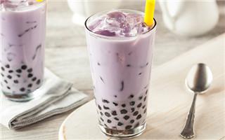网红奶茶是否健康惹争议?营养科医生:糖是毒药