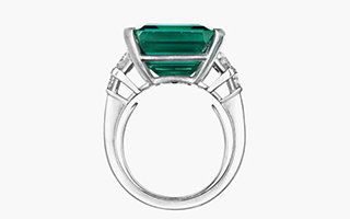「洛克菲勒祖母绿」将领衔佳士得纽约瑰丽珠宝拍卖