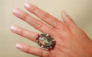 毕加索为情人设计的戒指将拍卖 估值433万元