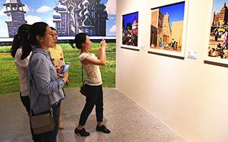 世界遗产摄影艺术展在秦陵博物院举行