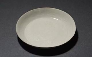 2017西泠春拍 :宋·定窑白釉印花螭龙石榴纹洗