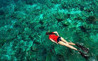 不到5小时 你就可以去世界排名第一的潜水地了