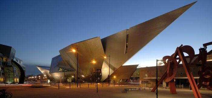 """艺术博物馆从""""炫富式""""私藏到向公众开放"""
