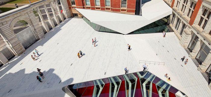 英国V&A在地下挖出了一个新展厅