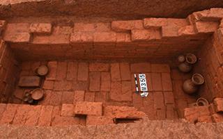 蓝山发现东汉和唐代两座古墓 出土陶器铜器等27件