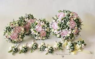 她做的手捧花 将在未来的岁月中一直陪伴着新娘