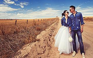 穿着球鞋去结婚!