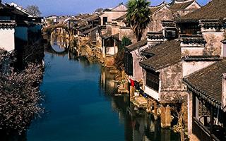 一座存活了两千四百多年的小镇