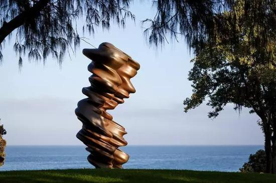 Tony Cragg, Luke, Sculpture by the Sea, Cottesloe 2017。 Photo Jessica Wyld