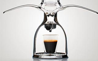 边喝咖啡边健身!咖啡要手压才好喝
