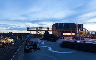 汽车公园屋顶的城市新视角
