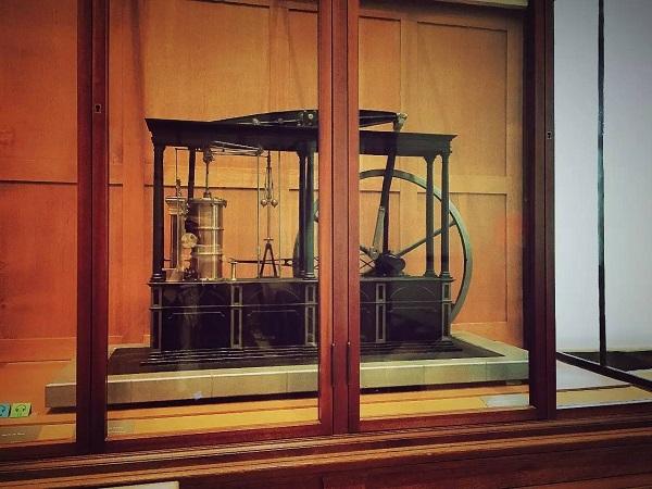 那些做得一手好装置艺术的科学先驱_展览_资