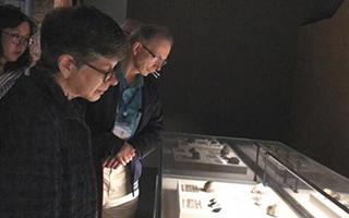美国博物馆用对的故事解释中国艺术品