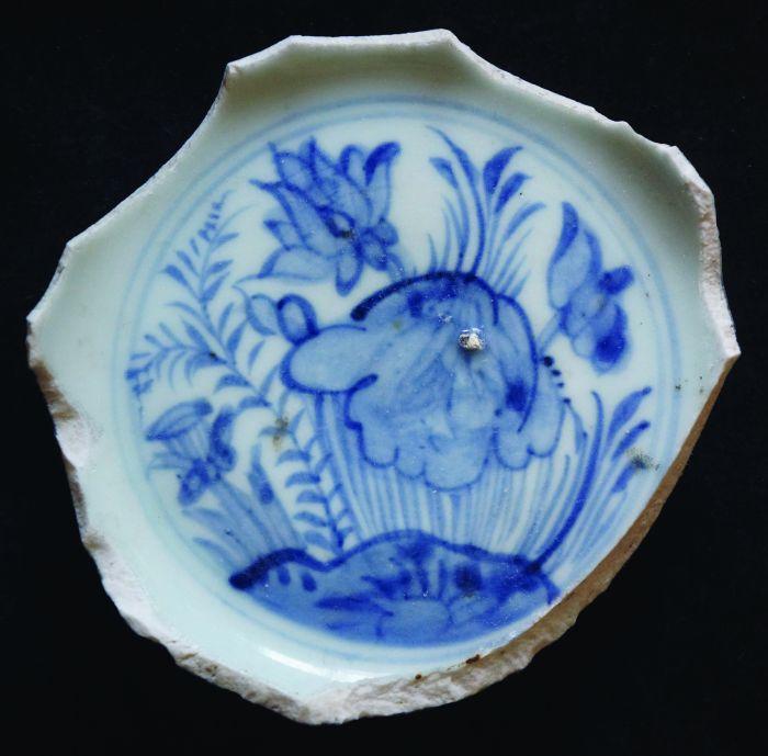 """明中期民窑瓷器""""爱莲""""纹的画法图2"""