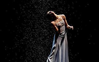 通过舞蹈来解开人类心绪的谜底