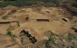考古新发现!成都青羊大道旁出土75座古墓