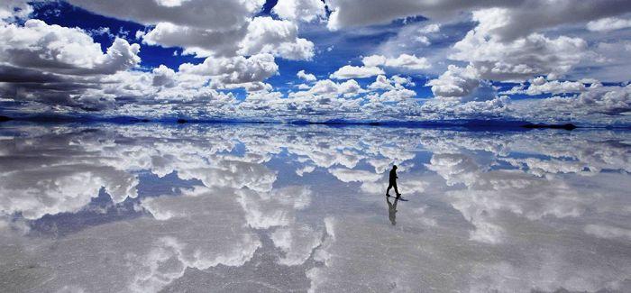 天空之镜:大自然的超现实主义