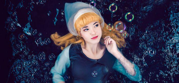 水中的迪士尼公主