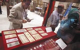 埃及首次向中国归还13件查获文物