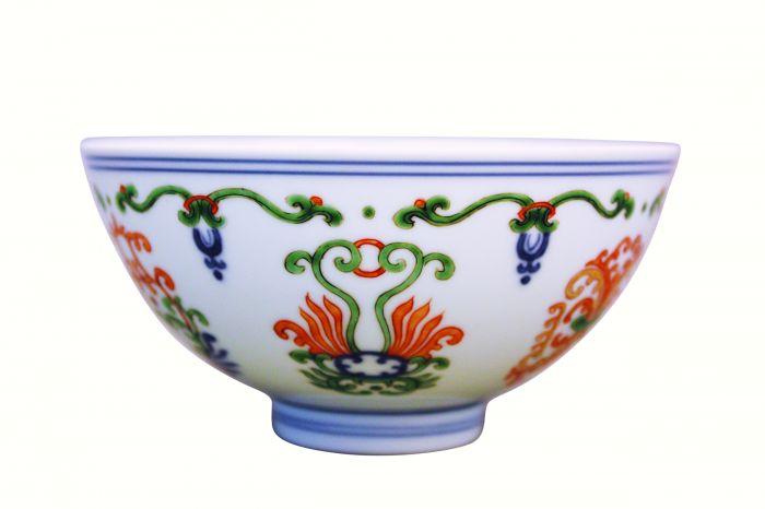 清代雍正款五彩海石榴纹碗2