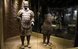 """还原秦始皇帝陵兵马俑的""""中国色彩""""的故事"""