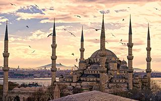 不一样的土耳其:泥浆澡和摔跤比赛