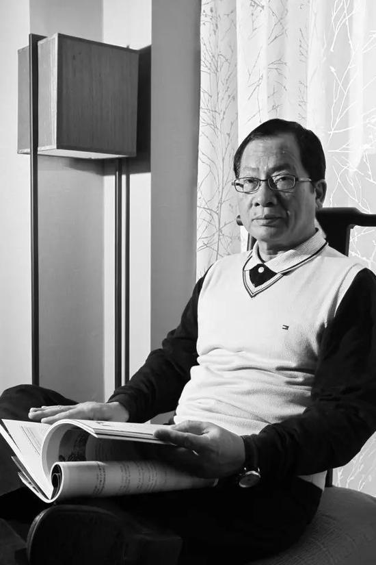 林明哲现任财团法人山艺术文教基金会董事长,收藏家