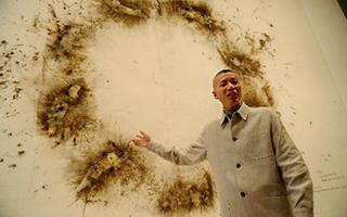 蔡国强:一个把天烧给奶奶看的人