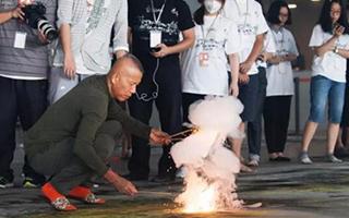 邓文迪制片 张艺谋出镜 大咖推荐蔡国强新片《天梯》