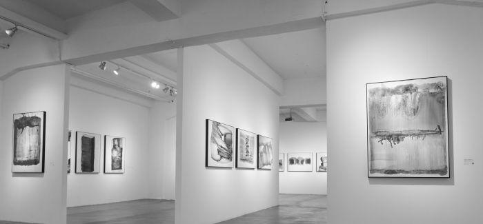 黑鬼最新个展开幕 在传统水墨与现代绘画之间寻找自己的方式