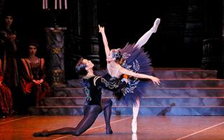 《天鹅湖》欧洲巡演 展示中国芭蕾风采