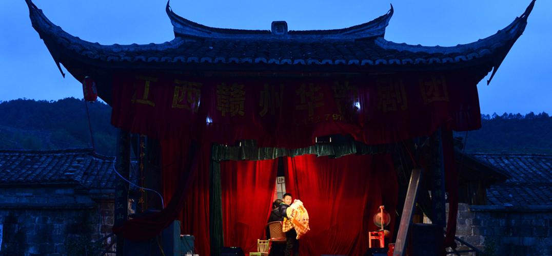 寻访祠堂庙宇中的古戏台