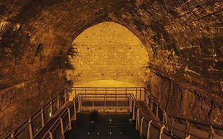 """以色列在耶路撒冷""""哭墙""""隧道发现古罗马遗迹"""
