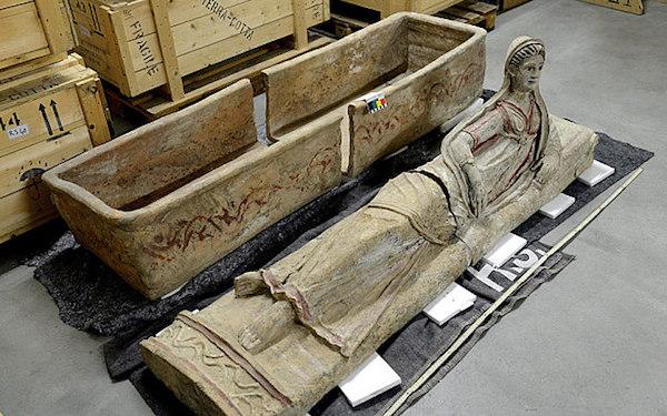 Geneva-public-ministry-Syme-Sarcophagus-2
