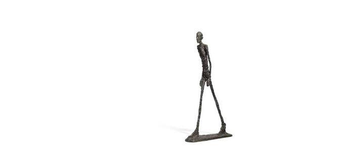 贾科梅蒂巨型雕塑《站立的女人 II》以1.95亿元成交