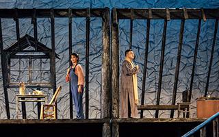 《半纸春光》:将郁达夫的作品搬上舞台