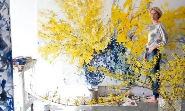 从家庭主妇到画匠她让花朵充满生活