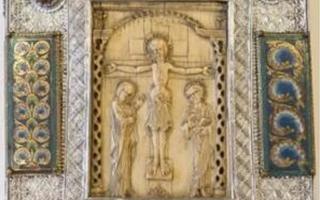 卢浮宫博物馆将展示五件最珍贵的书籍