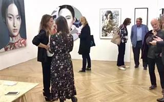 她将中国艺术搬到巴黎