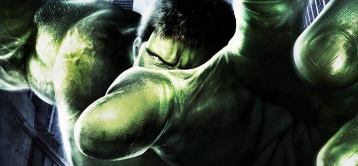 强大的绿巨人身后 是个不太强大的我