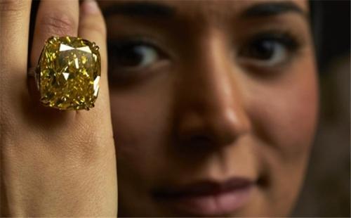 拍卖行史上最贵重的五枚彩钻