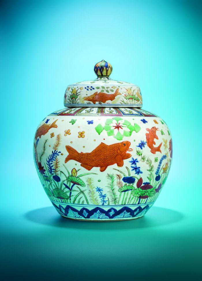 明嘉靖(1522-1566) 五彩鱼藻纹盖罐