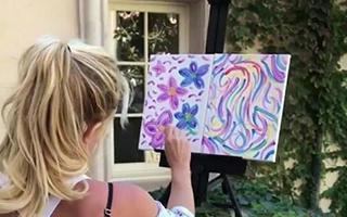 """布兰妮一幅""""玩出来""""的画卖了1万美元"""