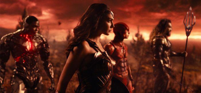 11月是属于超级英雄们的